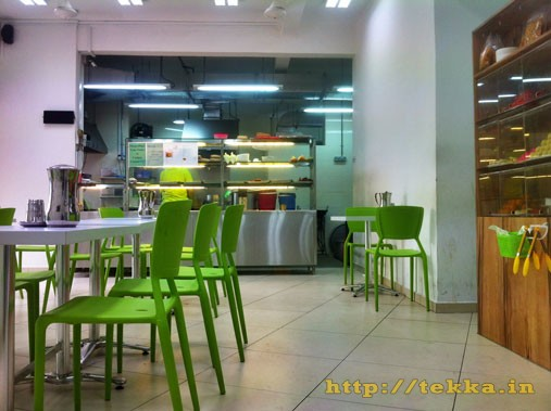 kamala-restaurant-inside-view-little-india-singapore